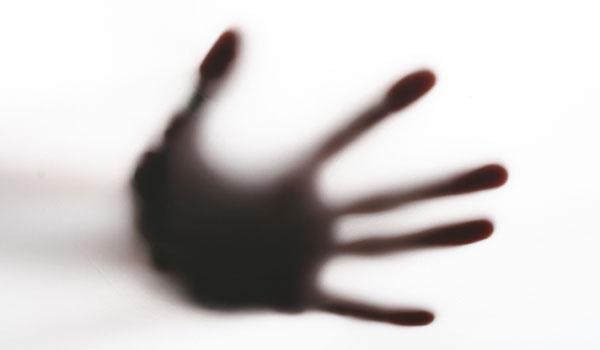 alien-hand-110112-02