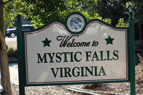 mystic falls- vampire